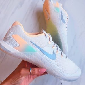Women's Nike Metcon 4 RISE